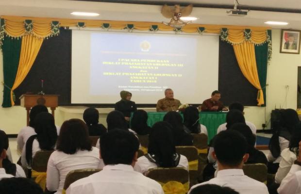 CPNS DI LINGKUNGAN BAWASLU PROVINSI BALI MENGIKUTI DIKLAT PRAJABATAN 18 PEBRUARI 2016