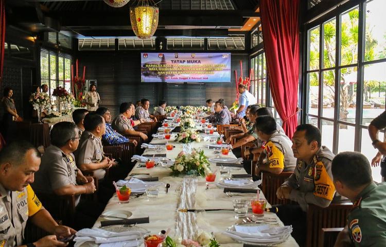 Bawaslu-Bali-Hadiri-Kegiatan-Tatap-Muka-dengan-Kapolda-Bali.html