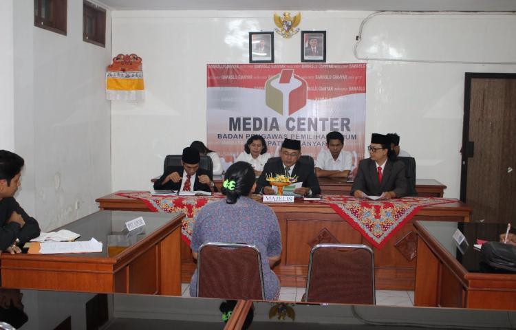 Bawaslu-Kabupaten-Gianyar-menggelar-sidang-Pelanggaran-Kampanye-di-Puratempat-Ibadah.html