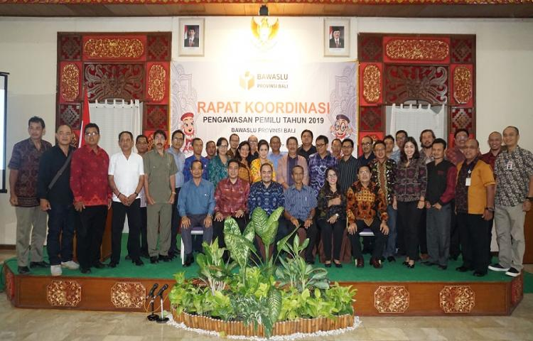 Identifikasi-Masalah-Pemilu-Bawaslu-Bali-Gelar-Rapat-Koordinasi-Pengawasan-Tahapan-Pemilu.html
