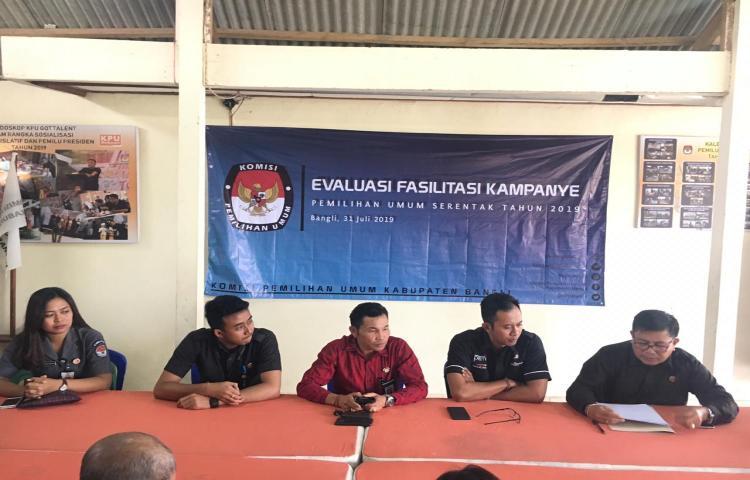 Kunjungan-Bawaslu-Provinsi-Bali-ke-KPU-Kabupaten-Bangli--terkait-Penulisan-Riset-Pemilu-Serentak-2019.html