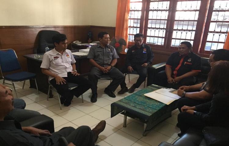 Kunjungan-Bawaslu-Provinsi-Bali-ke-KPU-Kabupaten-Buleleng-terkait-Penulisan-Riset-Pemilu-Serentak-2019.html