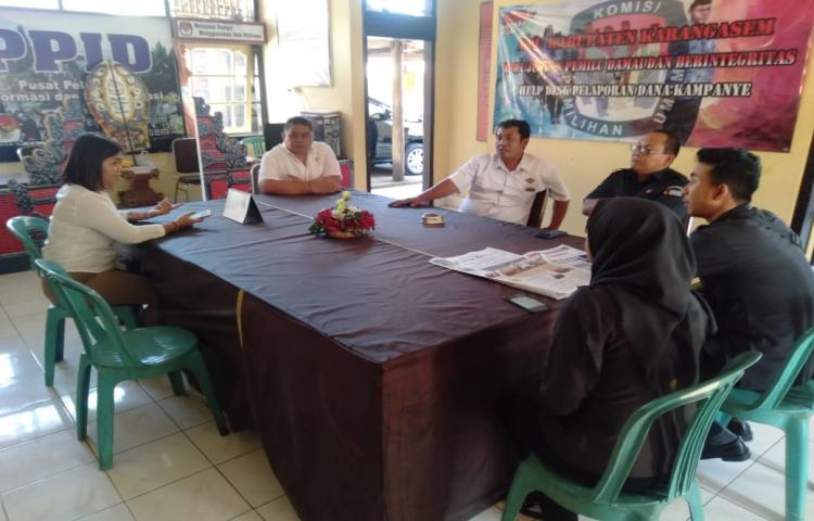 Kunjungan-Bawaslu-Provinsi-Bali-ke-KPU-Kabupaten-Karangasem-terkait-Penulisan-Riset-Pemilu-Serentak-2019.html