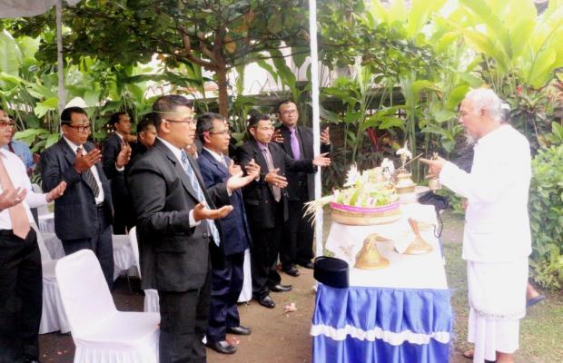 Acara Mejaya-jaya Panwas Pemilihan Kab/Kota yang dilaksanakan di Sekretariat Bawaslu Provinsi Bali sebelum dilantik