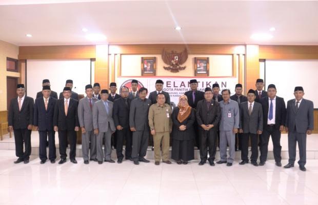 Foto Bersama Panwas Pemilihan Kab/Kota bersama Bawaslu RI, DPRD Bali, dan Biro Pem dan Setda Prov Bali