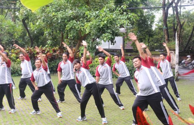 Ketua Bawaslu Provinsi Bali, I Ketut Rudia bergabung dalam pelaksanaan Jumat Sehat