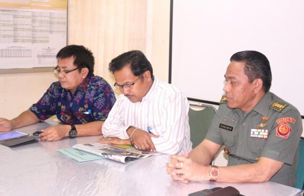 Ketua Bawaslu Provinsi Bali, I Ketut Rudia, bersama Kordiv. Hukum dan Penindakan Pelanggaran, I Ketut Sunadra. Menerima Kunjungan dari Kemhan RI