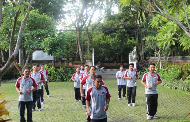 Sekretariat Bawaslu Provinsi Bali Melaksanakan Jumat Sehat
